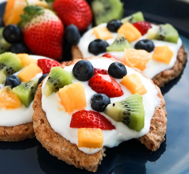 Fruit pizza with granola crust