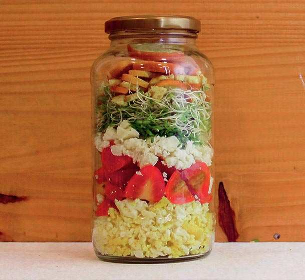Scrambled eggs breakfast mason jar